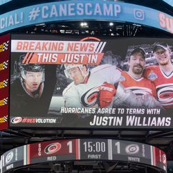 We interrupt this program to inform you that JUSTIN WILLIAMS has signed. July 1, 2017. Carolina Hurricanes Summerfest and Development Camp, PNC Arena, Raleigh, NC. Copyright © 2017 Jamie Kellner. All Rights Reserved.