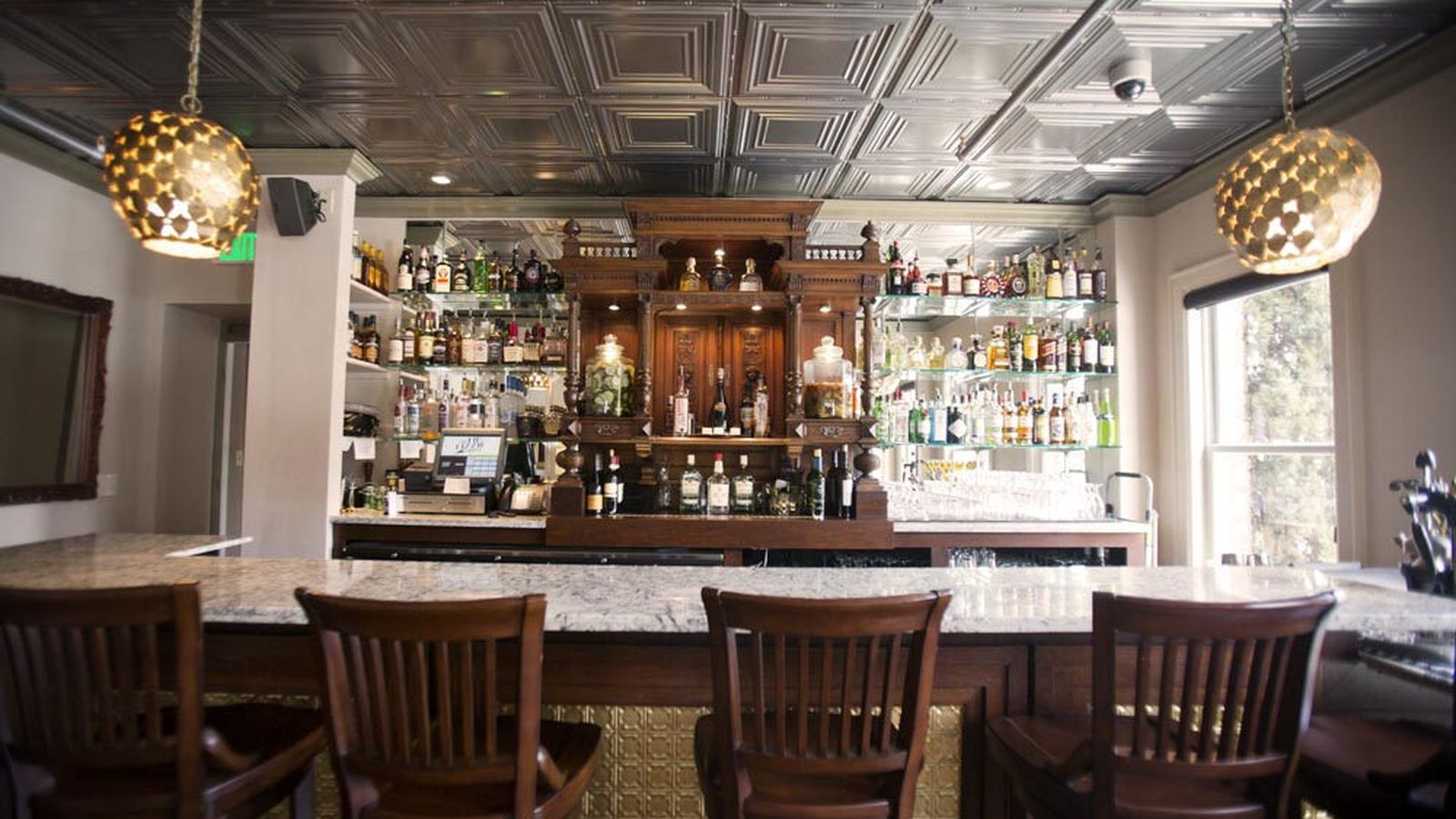 Stunning Tin Lizzie Lounge Now Open In Queen Anne Eater
