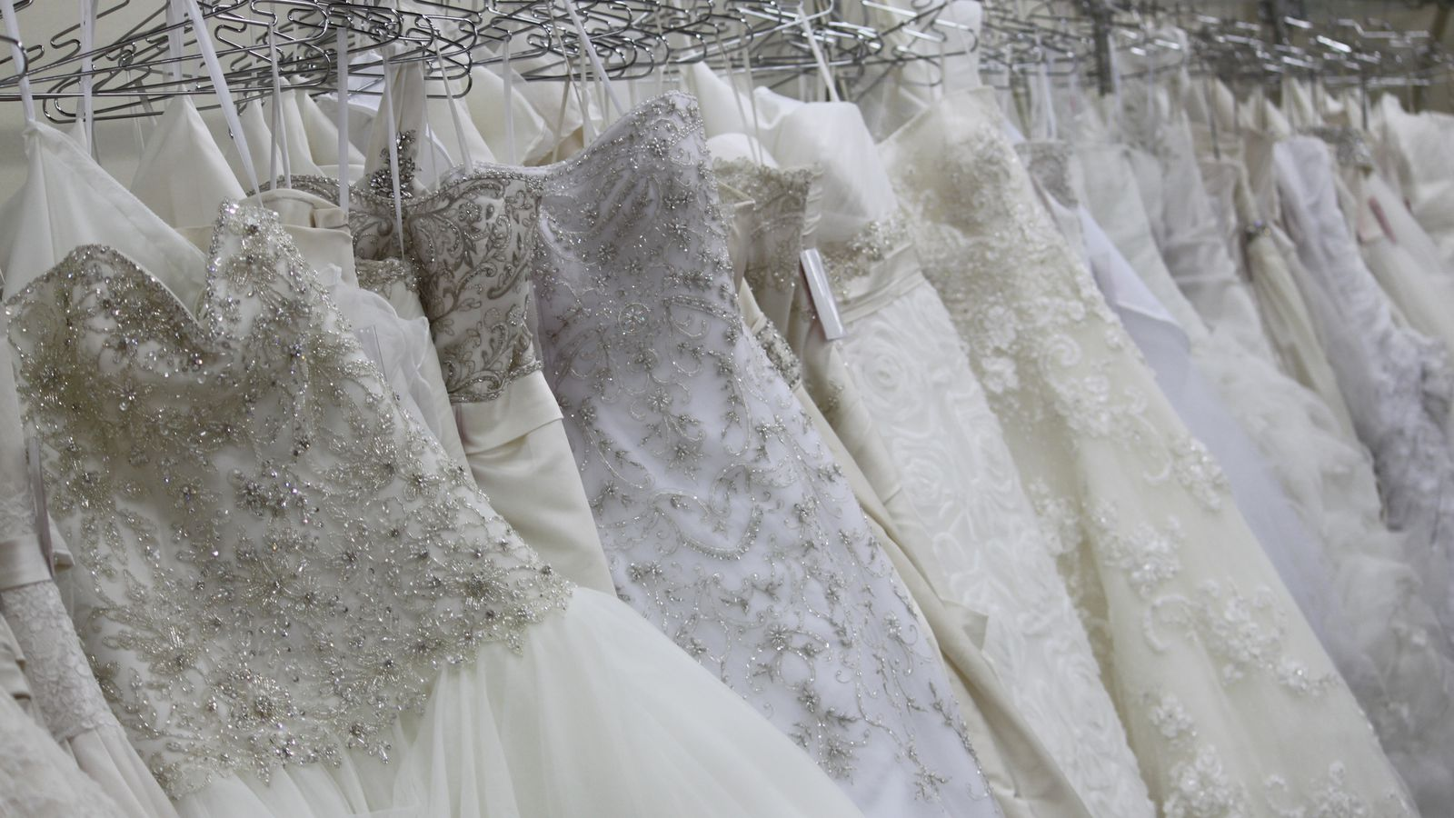Sell wedding dress chicago area dress online uk for Sell wedding dress online