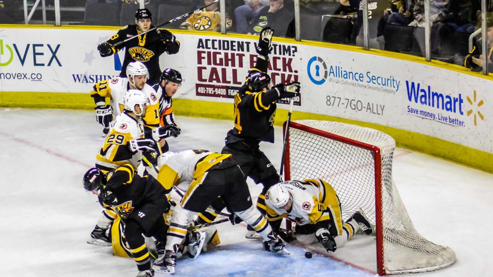 Providence_bruins_playoffs_game_2_2017_131.0
