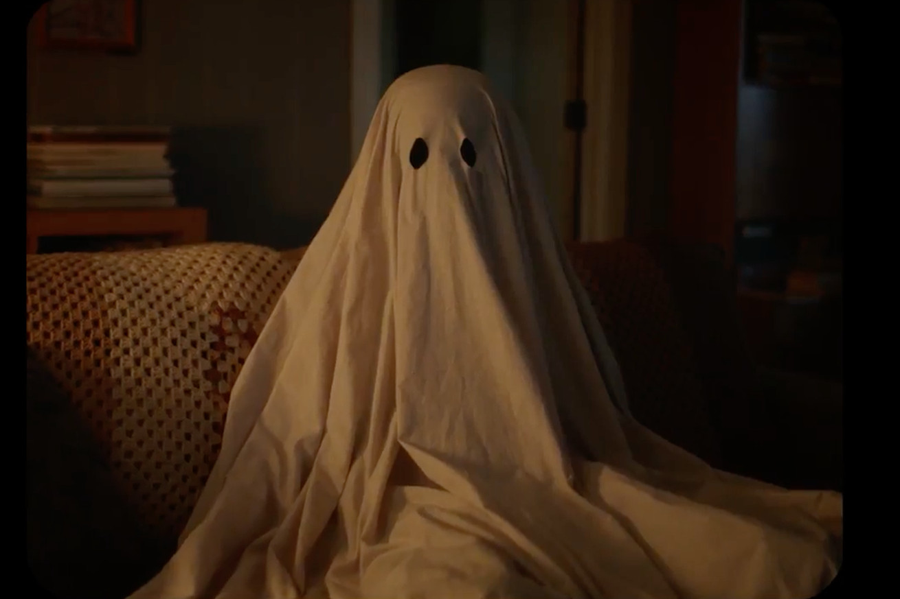 a ghost story is one of 2017 s best films so skip the trailer