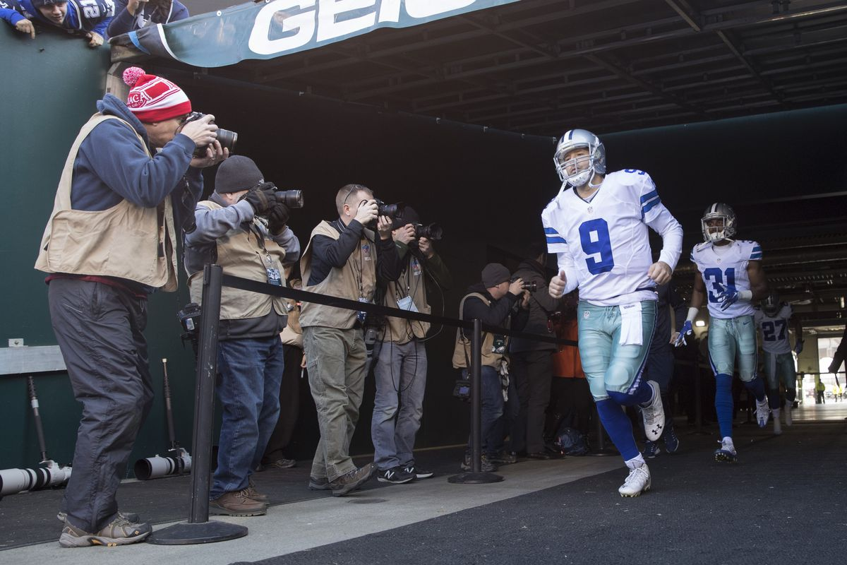 Tony Romo's contract makes Dallas Cowboys trade hard