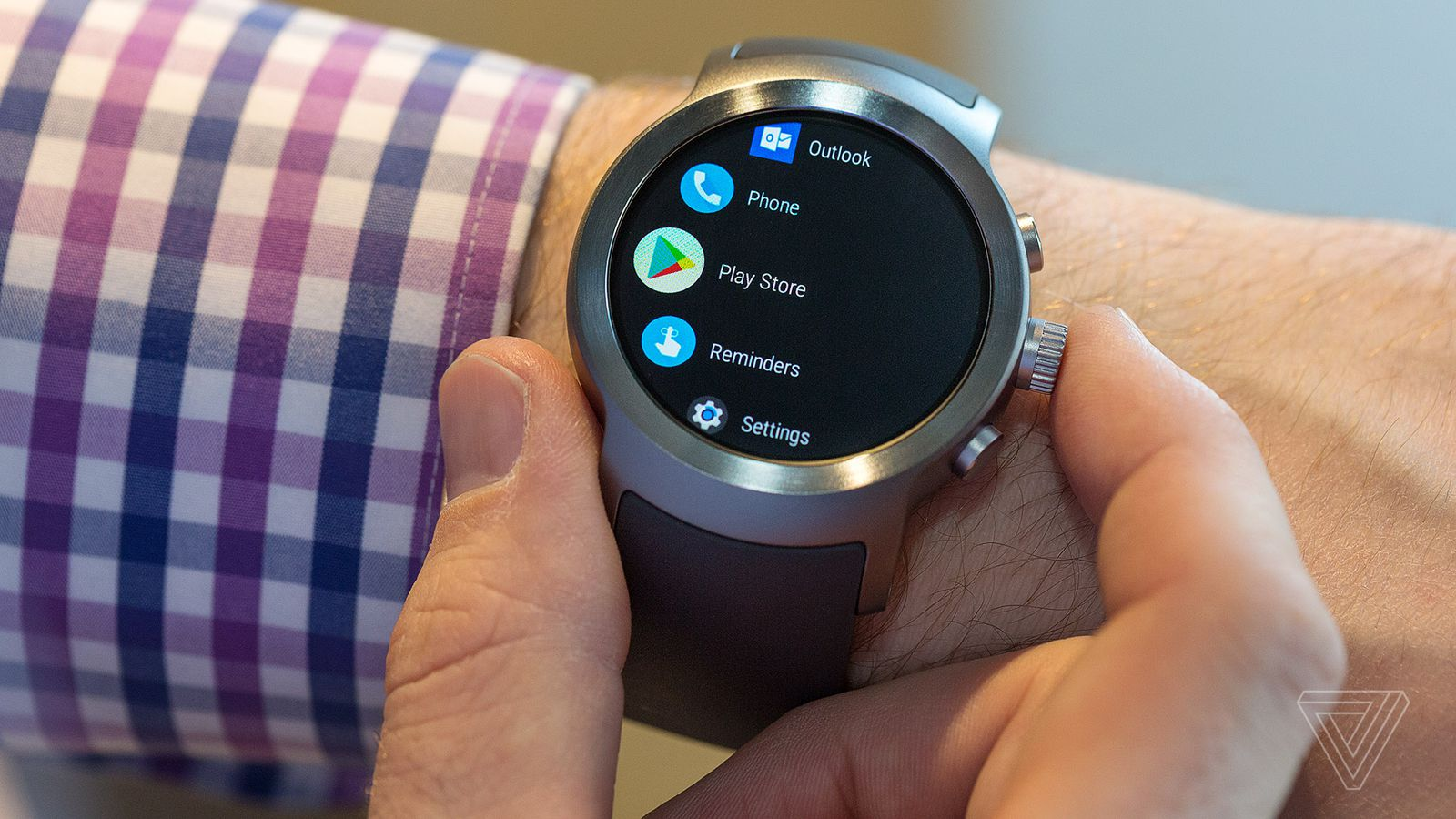 The 7 Best New Features in Android Wear 2.0 Watches
