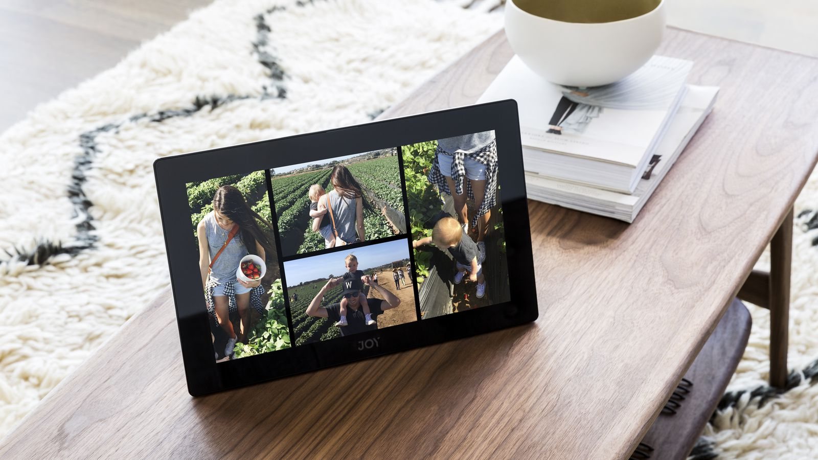 joy is a 13 inch tablet designed to replace the photo album the verge. Black Bedroom Furniture Sets. Home Design Ideas