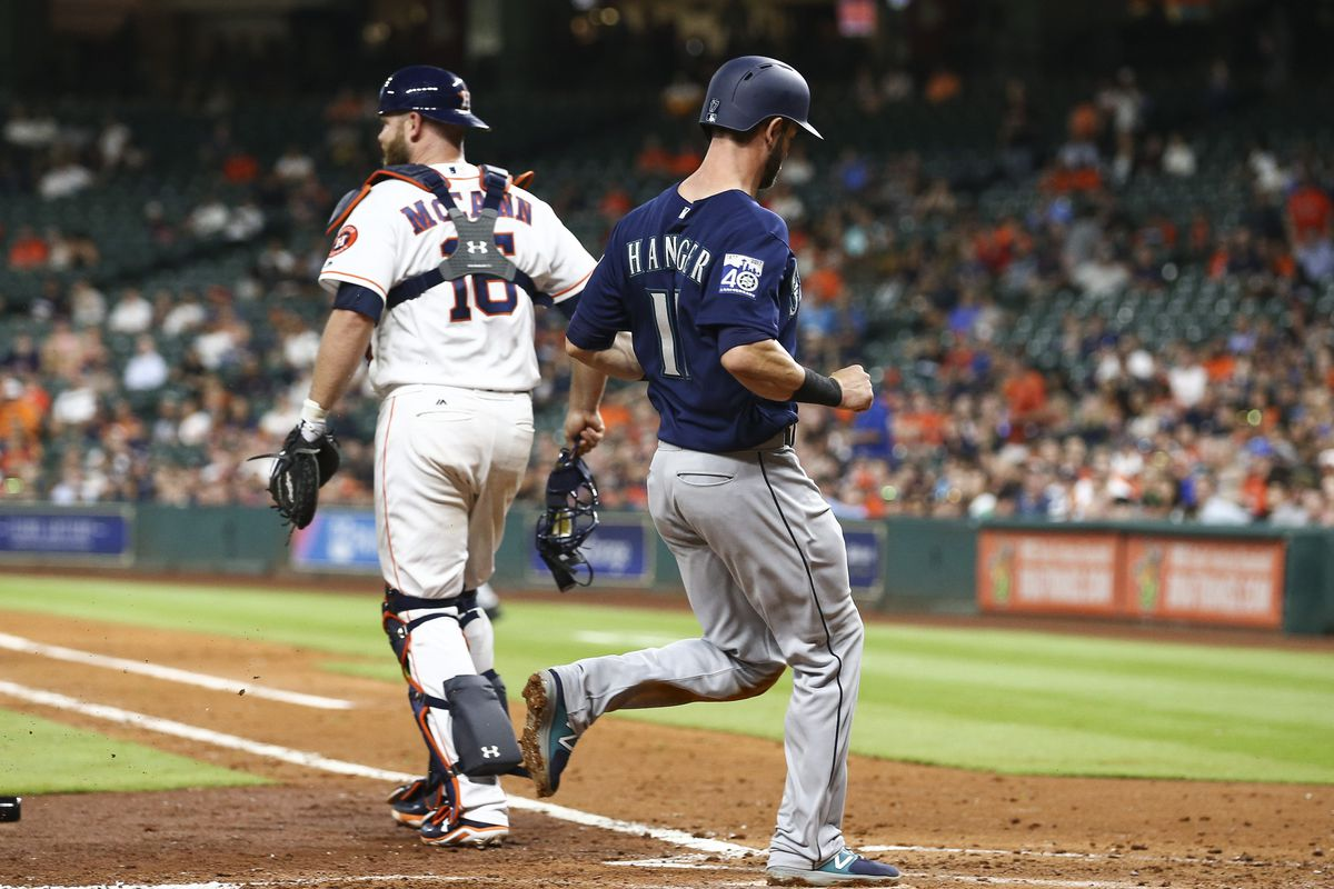 Keuchel, Correa lead Astros over Mariners 3-0