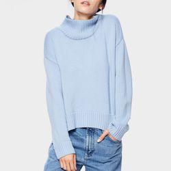 "SiiZU <a href=""https://tictail.com/s/siizu/vina-turtle-neck-sweater"">Vina Turtleneck</a>, $90"