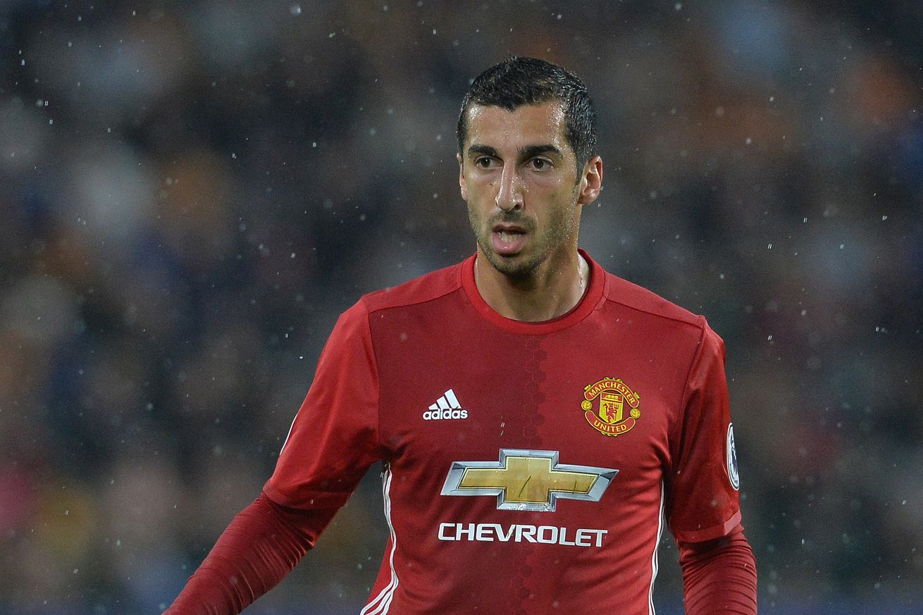 Mkhitaryan gives United derby injury worry
