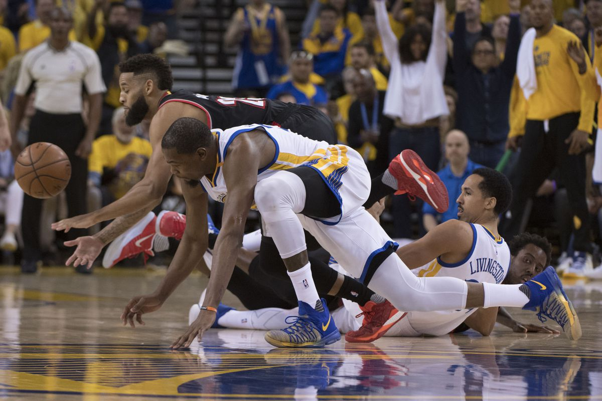Warriors cut down Blazers, Westbrook runs out of gas