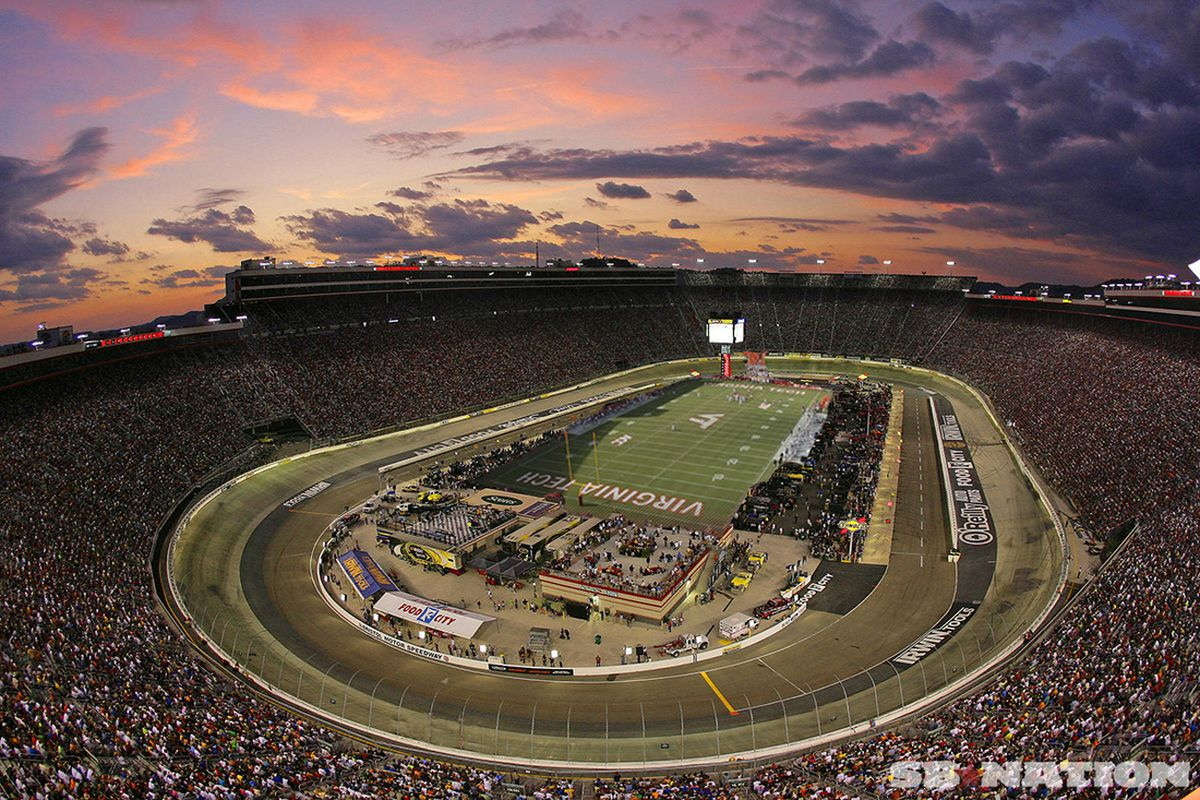Bristol motor speedway transforms into record breaking for Bristol motor mile dealerships