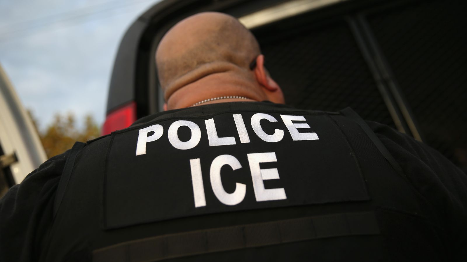 theverge.com - Russell Brandom - That immigration checkpoint you heard about is probably fake