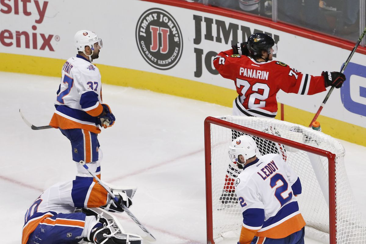 Quick Hits from Blackhawks-Islanders: Corey Crawford shines in win