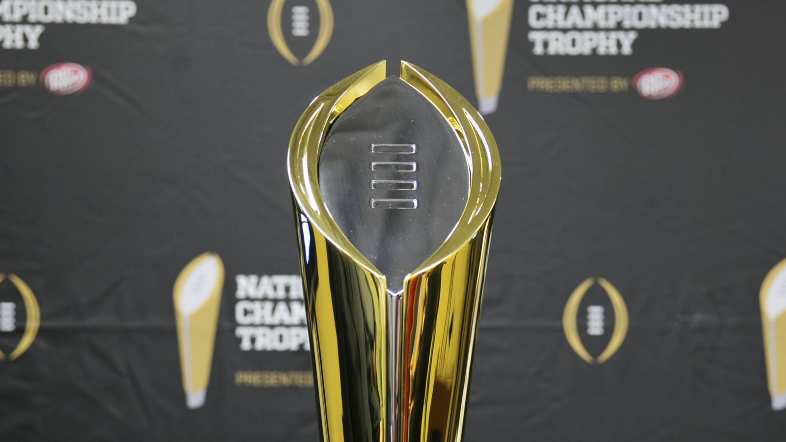college football games this week what channel is the college football game on tonight