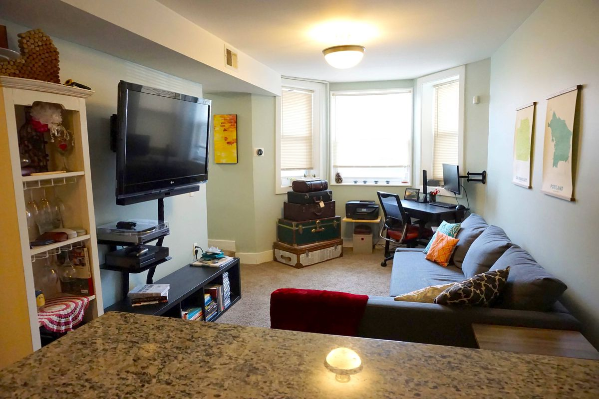 chicago three bedroom apartments renting for 1 500 or under curbed