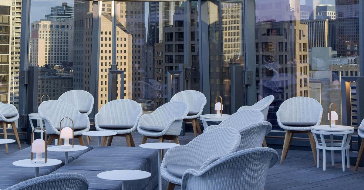 Boka s grandiose new rooftop bar in gold coast opens on for Gold coast chicago hotels