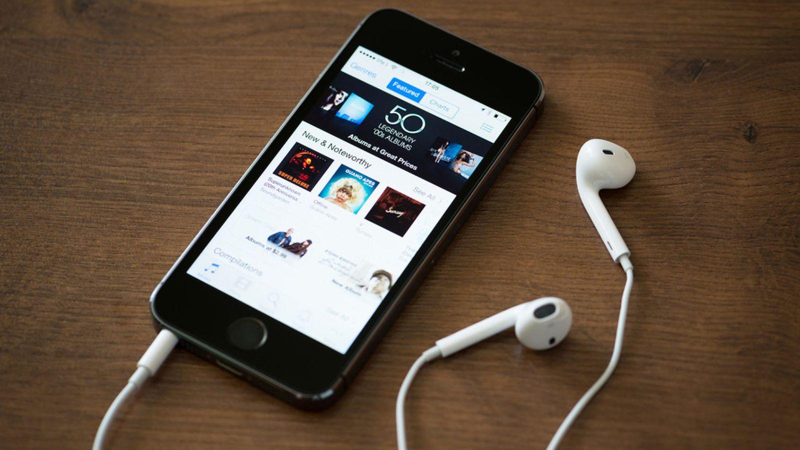 Itunes_on_iphone_podcast_headphones_241_1024x577.0