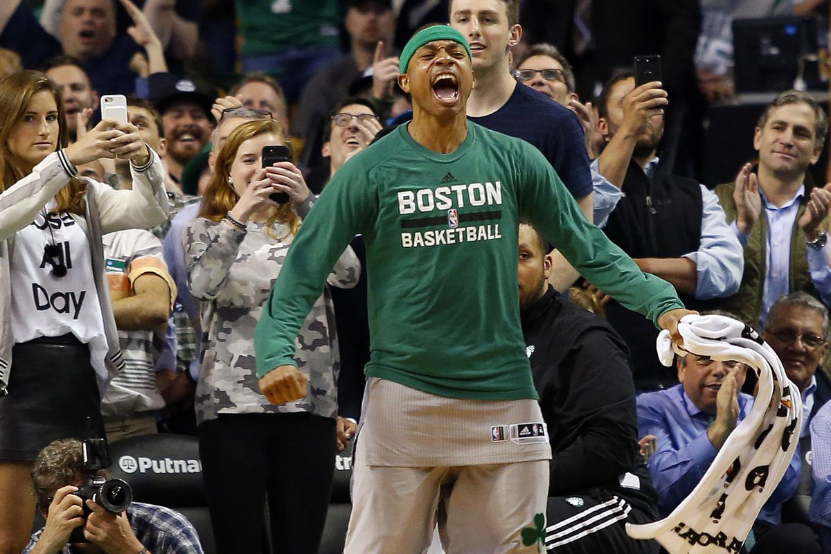 Thomas scores 33, Celtics beat Bulls 104-95 to tie series