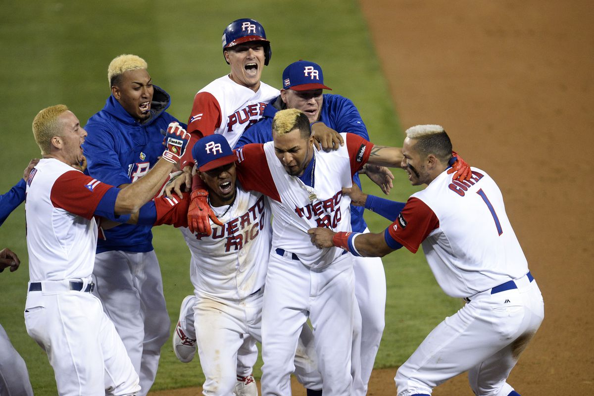 Yadier Molina Throws Out Celebrating Jurickson Profar in WBC Semifinal