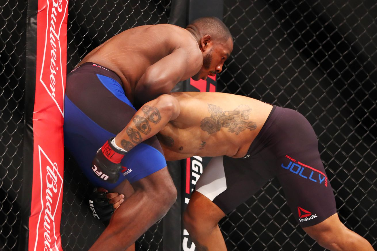 community news, Watch Khalil Rountree knockout Daniel Jolly at UFC Fight Night 104 in Houston