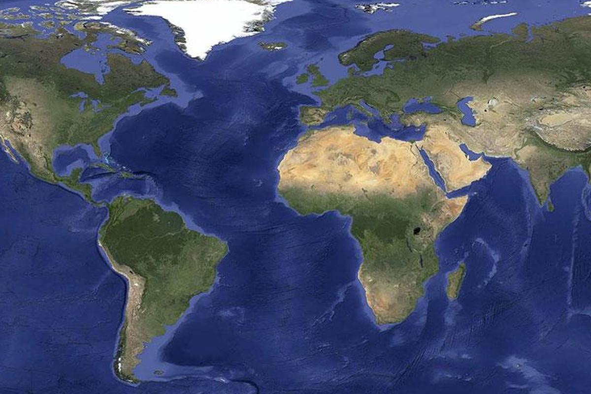 Google maps earth satellite - Via Puu Sh Google Has Updated Its Map