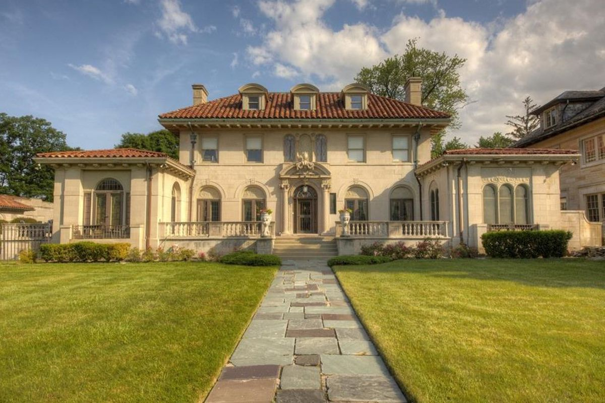 Berry Gordy S Historic Motown Mansion Ups Sale Price Asks