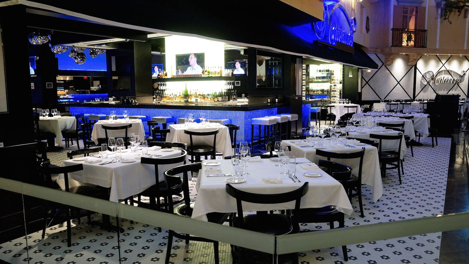 yo cuz take a look inside martorano 39 s at paris las vegas eater vegas. Black Bedroom Furniture Sets. Home Design Ideas