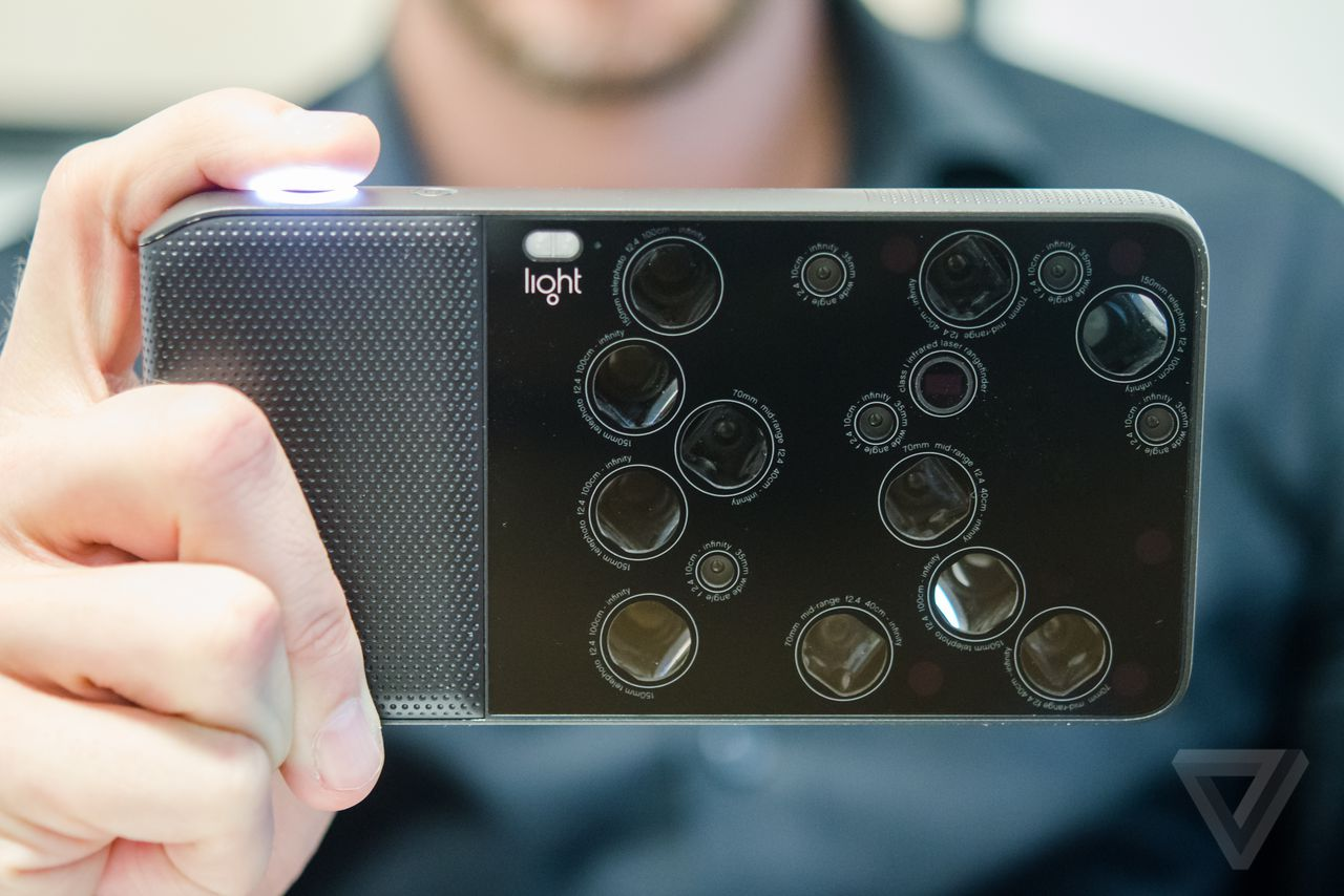 Light L16, A Camera with 16 Lenses