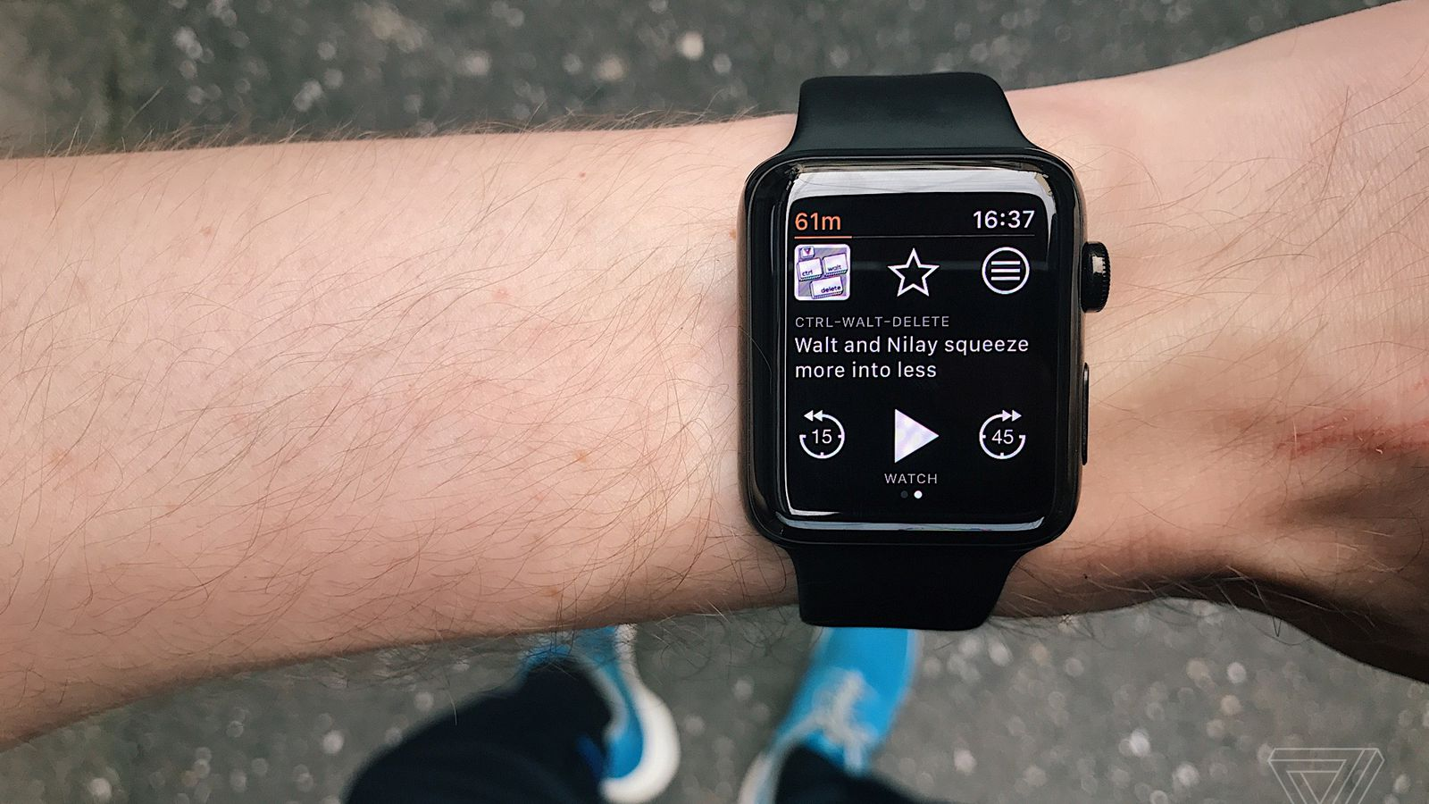 photo image Overcast just fixed the Apple Watch's missing podcast support