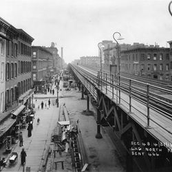 The completed Second Avenue elevated line, looking north from East 57th Street circa 1916