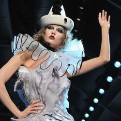 Couture Roundup: It's a Circus at Dior & Armani's Homage ...