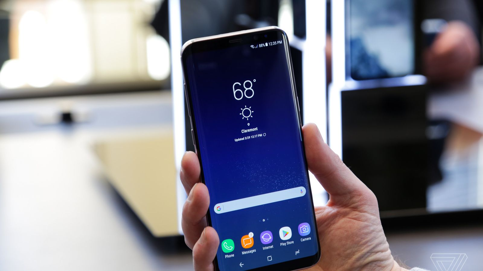 photo image Fingerprint, face scan, or password: what's the best way to unlock your Galaxy S8?