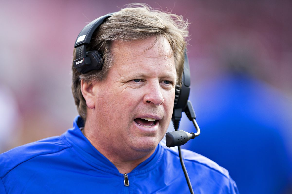 Nude man on shark is not UF coach Jim McElwain, report says