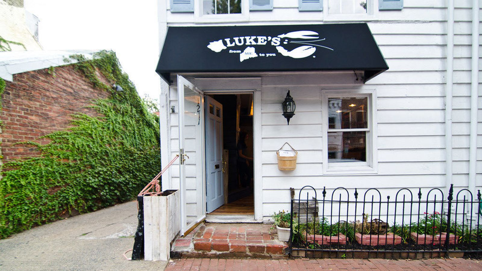 Luke's Lobster Union Station Opens May 1, with Breakfast - Eater DC