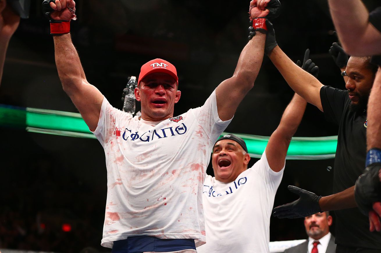 UFC Fight Night 86 results: Junior dos Santos puts on striking clinic, outclasses Ben Rothwell for decision win