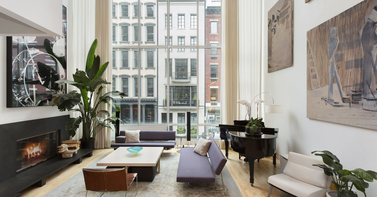 Contemporary tribeca townhouse hits the rental market for for Townhouse for rent nyc