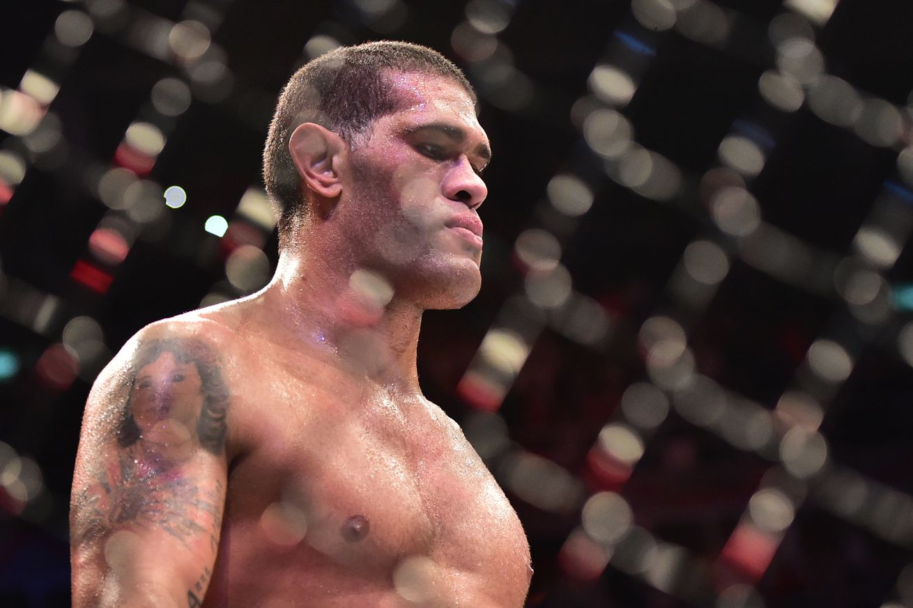 'Bigfoot' Silva a 'hero' in Russia, receives whopping $200,000 payday ... and he'll fight again