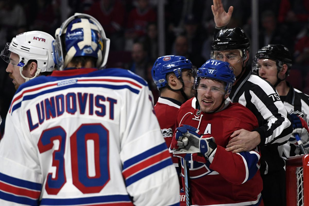 Lundqvist sharp in Rangers' opening win