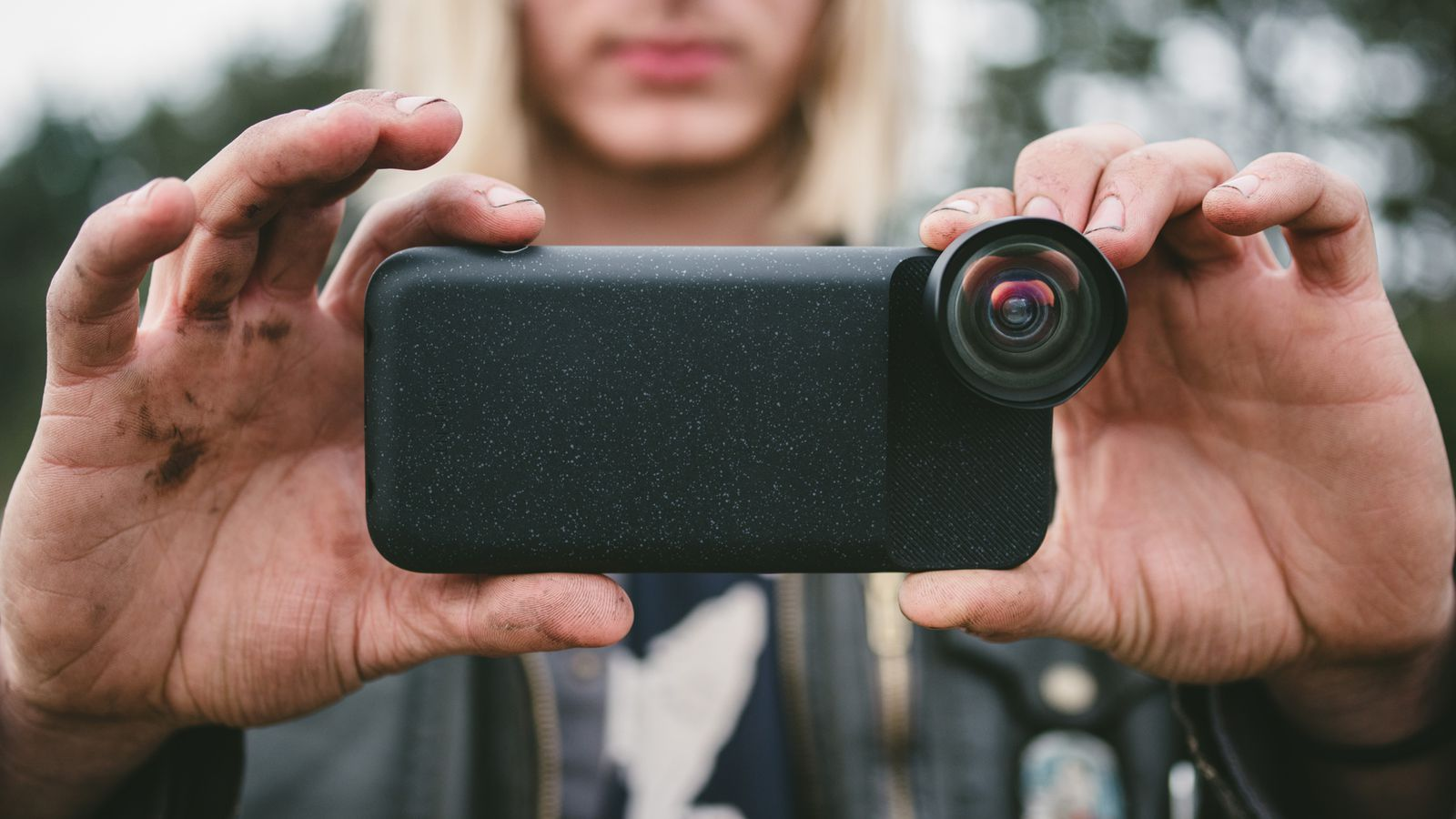 Moment's New iPhone Photography Case has a Built-in Battery