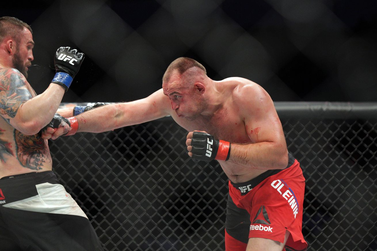 Highlights! Watch Aleksei Oleinik submit Viktor Pesta via Ezekiel choke at UFC Fight Night 103