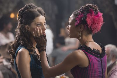 Angela Sarafyan and Thandie Newton in a scene from HBO's Westworld.