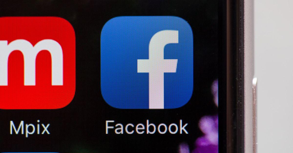 Moderators Say Facebook Didn't Prepare Them to Catch Russian Propaganda