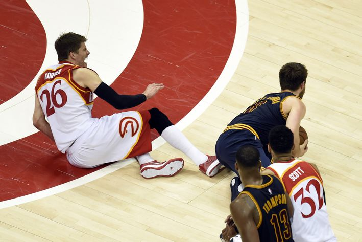 Kyle Korver out for the playoffs with right ankle injury