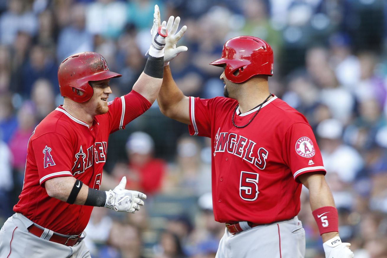 Shoemaker has skull fracture from liner, Angels beat Seattle