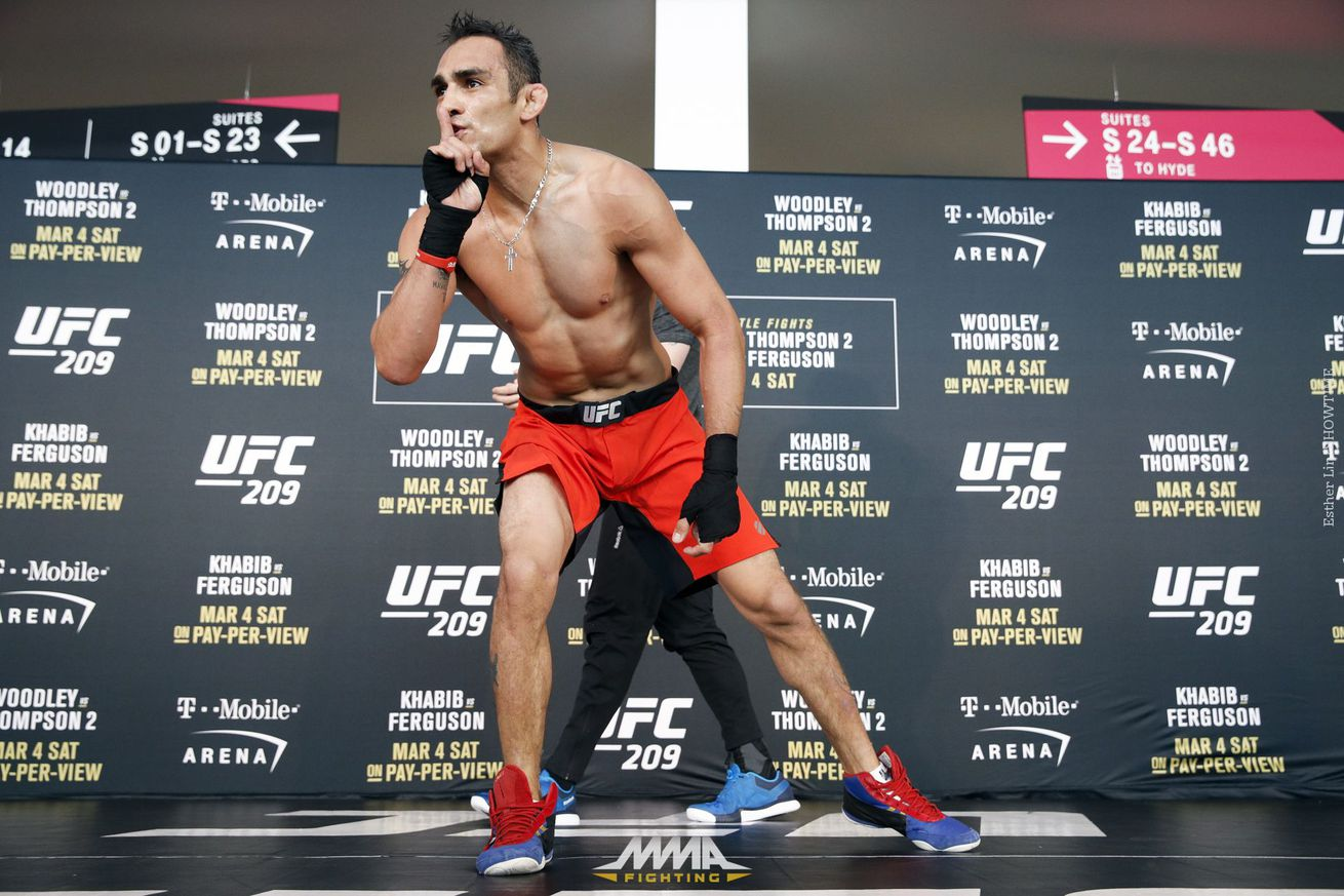 community news, Tony Ferguson says there's 'no way' Conor McGregor beats Floyd Mayweather in a boxing ring