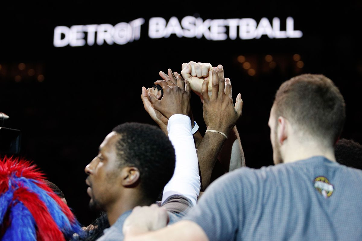 Pistons celebrate their past in final game at Palace