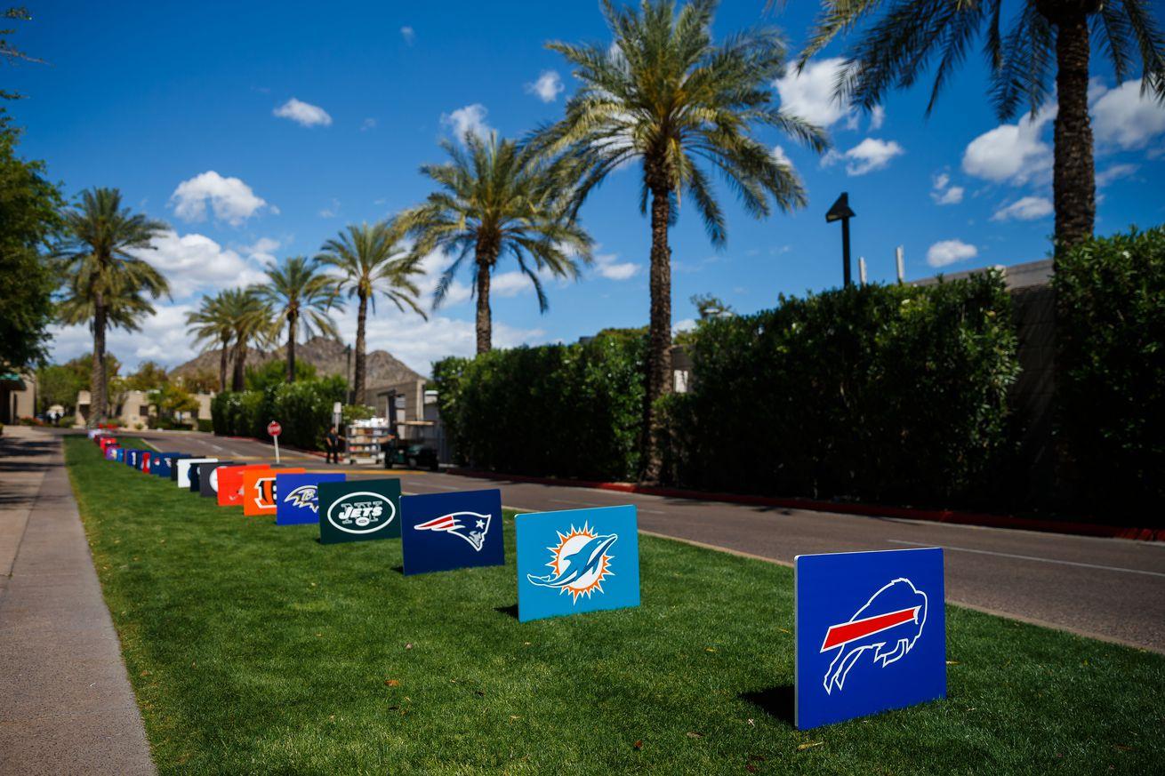Thursday's roundup: Patriots, Chiefs kick off season