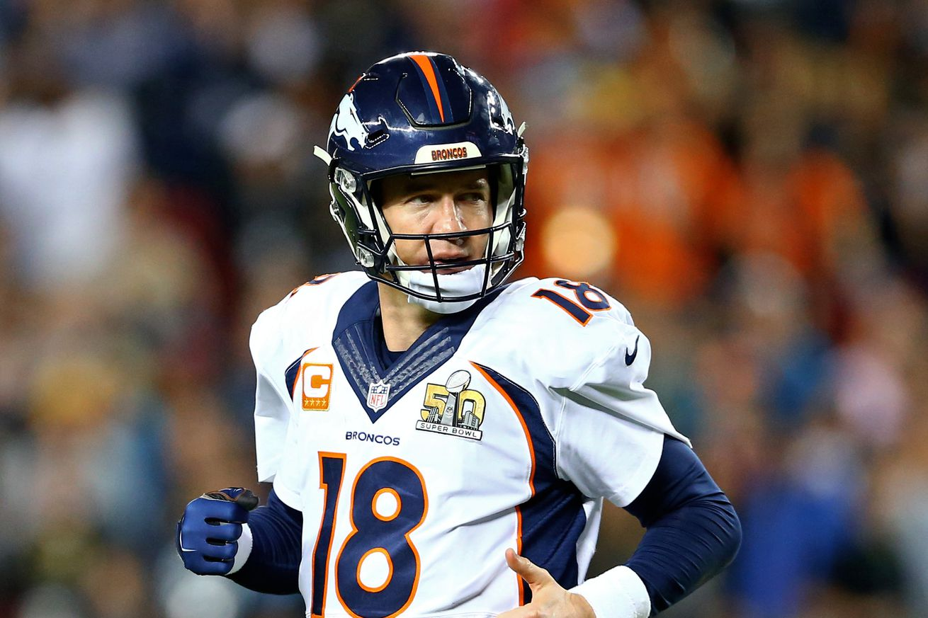 Peyton Manning Offers No Clue About Retirement