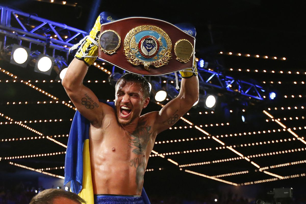 Lomachenko makes easy work of Sosa before 9th-rd TKO