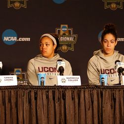 UConn head coach Geno Auriemma and his starting five<br>