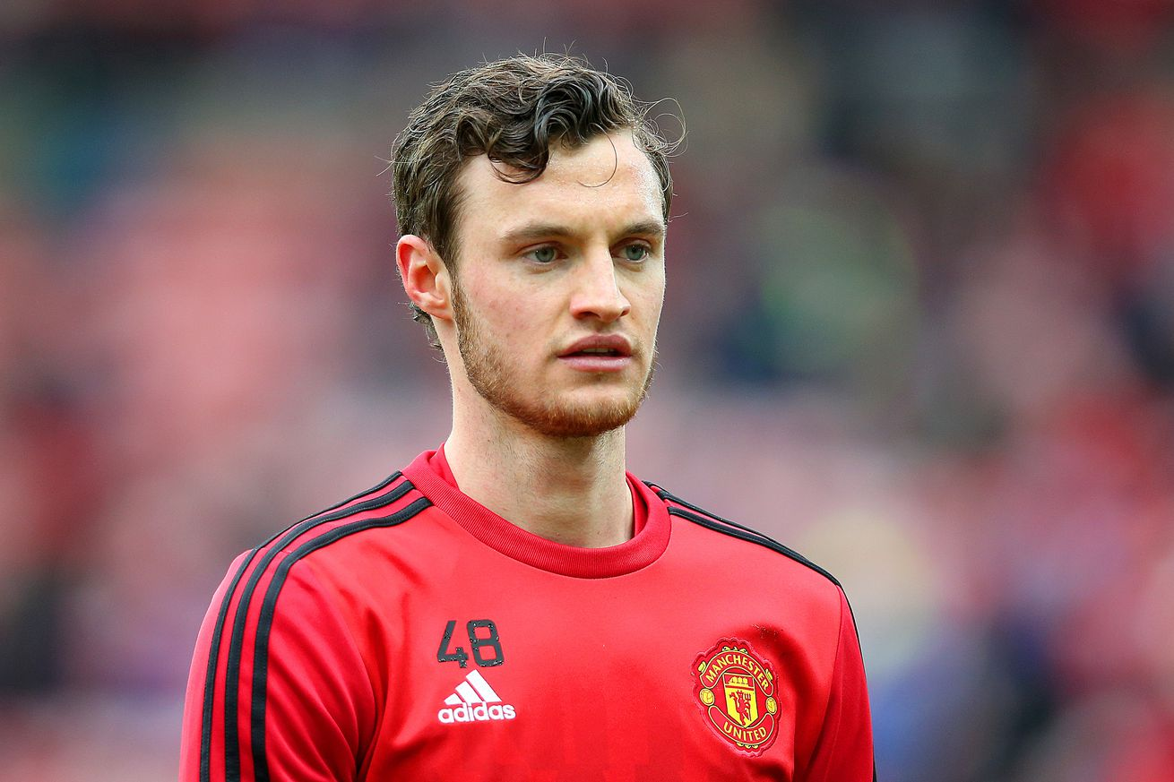 Manchester United forward Will Keane 'closing in on Hull City switch'