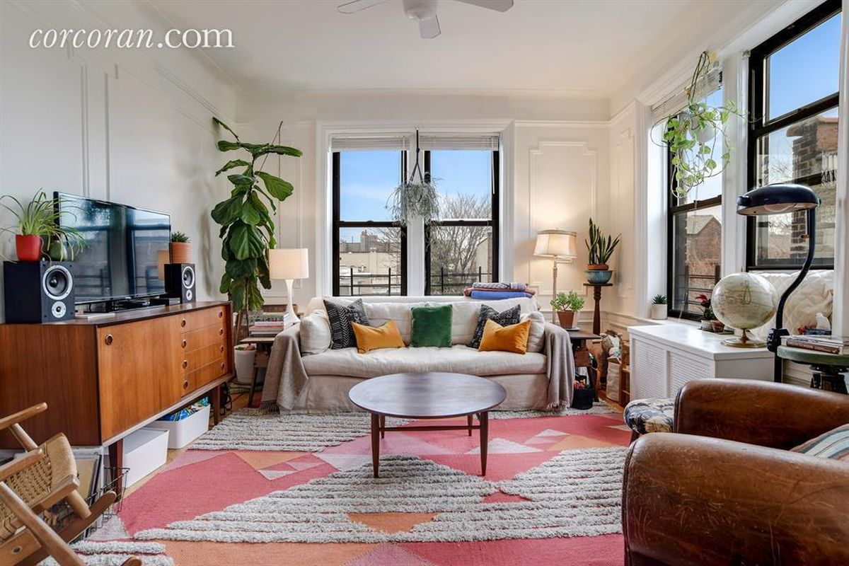 Quirky Living Room Quirky Three Bedroom In Borough Park With Abundant Storage Asks